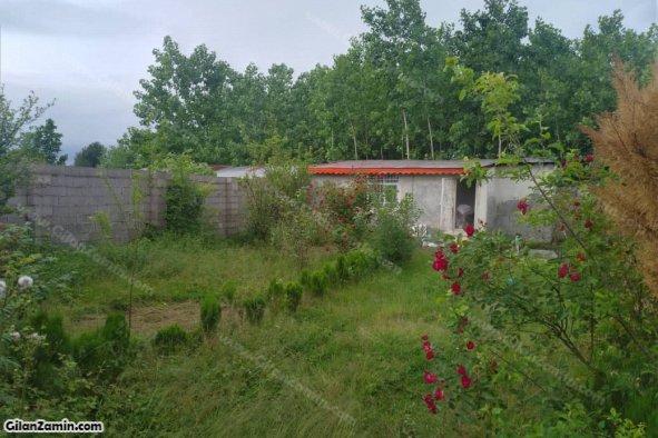 500 متر زمین مسکونی دیوار کشی شده با یک باب سوئیت 45 متری  در آبکنار بندرانزلی