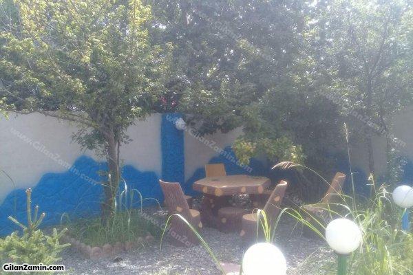 حیاط و فضای سبز و آلاچیق