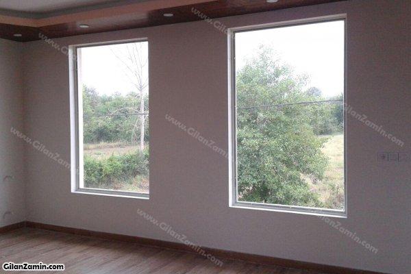 نمای بیرون از پنجره