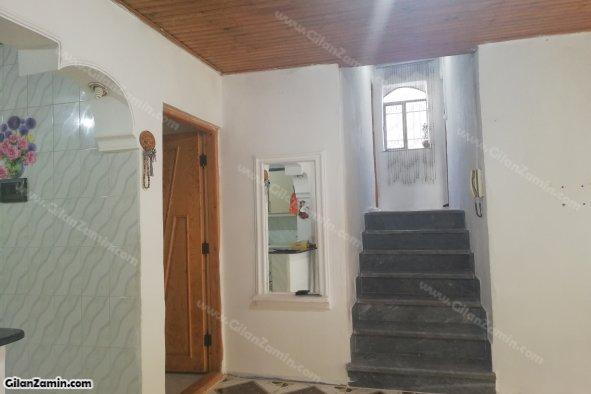 راه پله به دو اتاق خواب